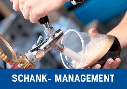 Schank-Mangement Erweiterung von GastroSoft, Zapfen von Schwarzbier, Zapfhahn, Becher mit Bier
